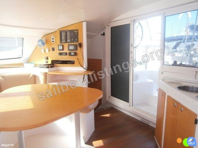 Fountaine Pajot LAVEZZI 40 Year = 2009 Length = 11.90 m