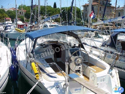 Bavaria 37 Year = 2002 Length = 11.55 m