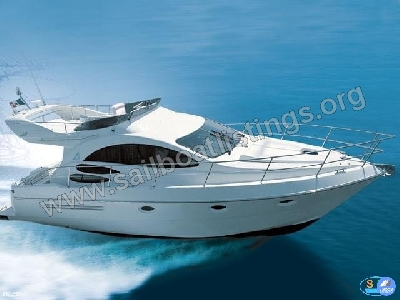 Azimut 39 Year = 2002 Length = 12.35 m