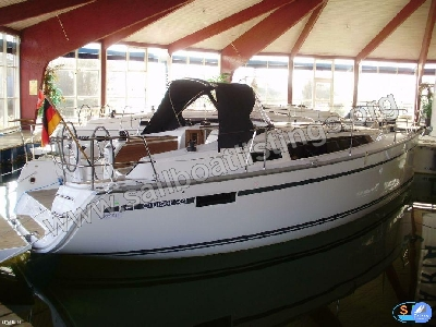 Bavaria Cruiser 34 Year = 2016 Length = 9.99 m