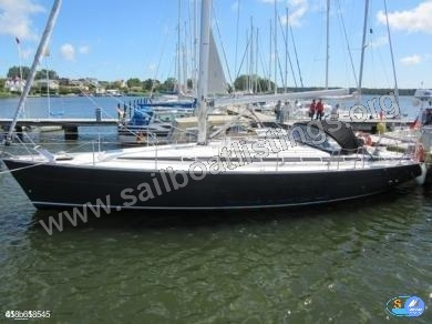 Bavaria 44 Year = 2002 Length = 13.95 m