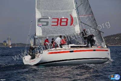 Salona 38 Year = 2012 Length = 11.50 m