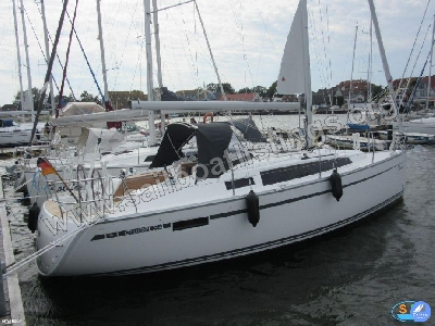 Bavaria Cruiser 34 Year = 2017 Length = 9.99 m