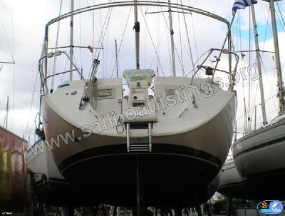 Bavaria 40 Year = 2001 Length = 12.48 m