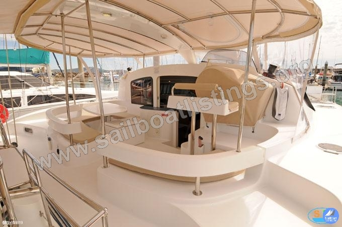 Fountaine Pajot Lavezzi 40 Year = 2008 Length = 11.90 m