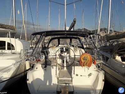 Hunter Hunter 426 DS Year = 2002 Length = 12.75 m