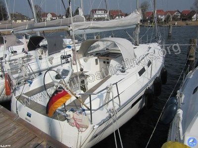Bavaria Cruiser 32 Year = 2012 Length = 9.99 m