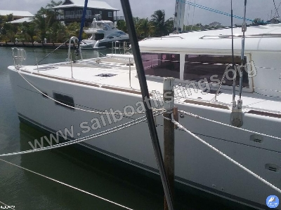 Lagoon 450 Year = 2012 Length = 13.96 m